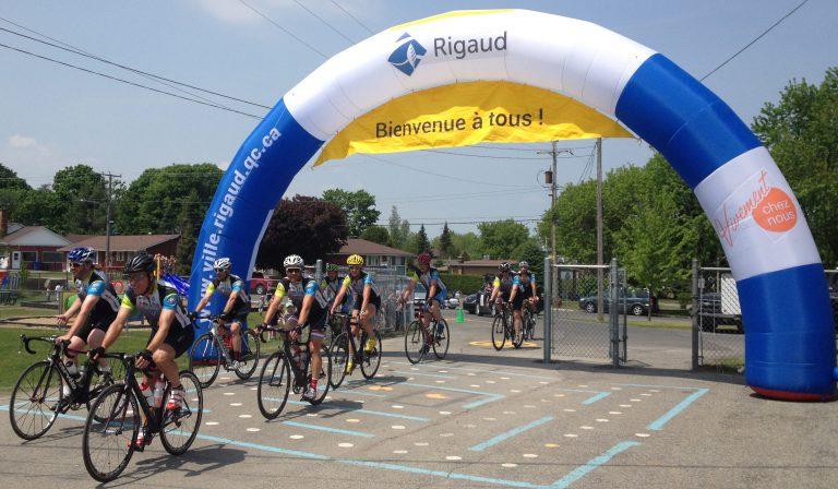 Plus de 60 cyclistes de passage à Rigaud!