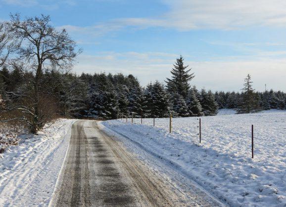 Stationnement hivernal: interdiction de stationner sur les rues de nuit